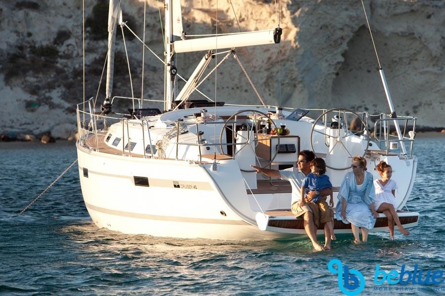 Barca a vela in famiglia: mare e divertimento in Croazia e isole Incoronate