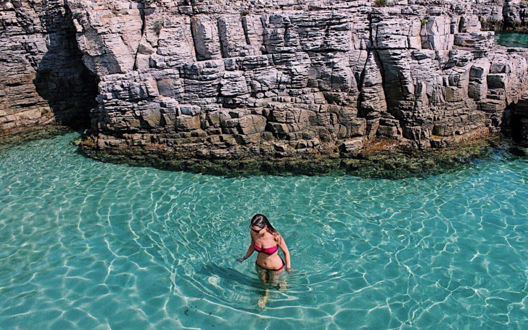 Arcipelago della Maddalena, la Sardegna in barca a vela che non ti aspetti